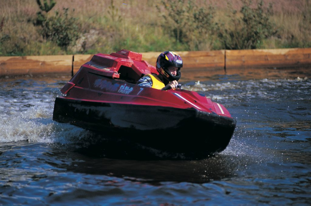 Et lite adrenalinkick i det våte element er aldri å forakte.