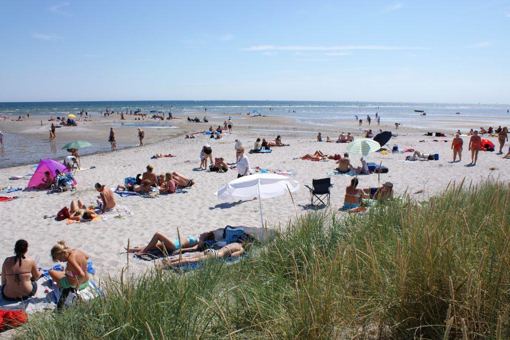 Bisnap strand er en av flere badestrender i Danmark du vil elsker.