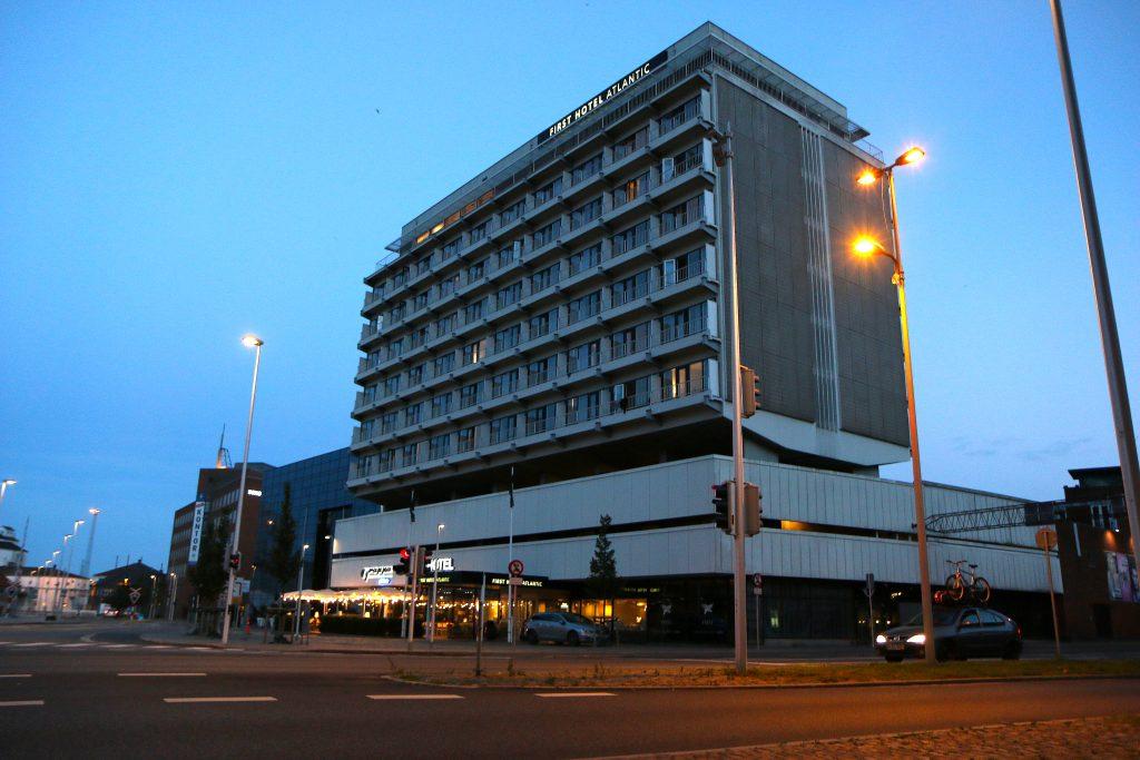 <strong>Bra beliggenhet:</strong> First Hotel Atlantic ligger sentralt i havnen i Aarhus og har eget parkeringshus. Det kommer godt med hvis du har med deg bil. Foto: Flemming Hofmann Tveitan/Fjord Linentic