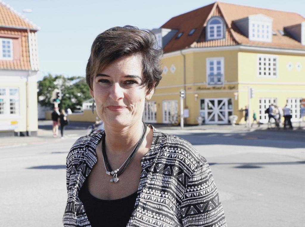 Nordmann som elsker nordmenn: Hotelleier Gitte Nordmann startet i baren på Foldens Hotel. Idag eier hun det voksende hotellet og er særlig glad i sine norske gjester.