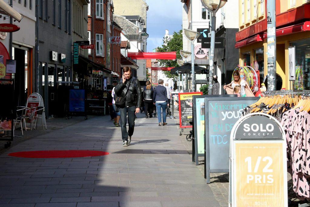 Levende sentrum: Aalborg har et pulserende og levende sentrum. Shoppingmulighetene er utallige. Foto: Fjord Line