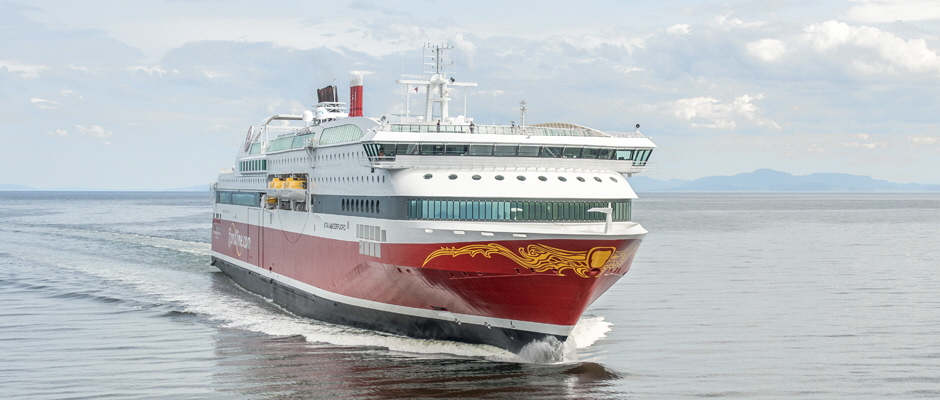 Miljøskipene MS Stavangerfjord og MS Bergensfjord tar deg daglig fra Bergen, Stavanger og Langesund til Hirtshals i Danmark. Fra Kristiansand suser HSC Fjord Cat over Skagerrak på utrolige 2 timer og 15 minutter. Foto: Fjord Line